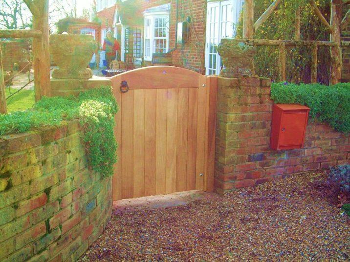 berwick-gate-120cm-front-left-view