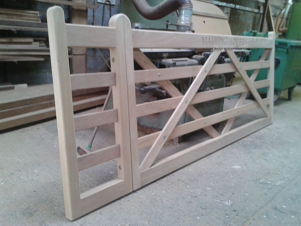 buxted-gate-with-extension-section-for-sliding-gate-automation