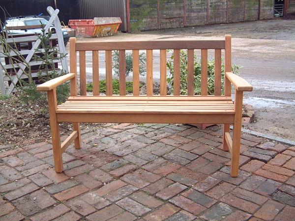 castleham-bench-120cm-front-view-alternative