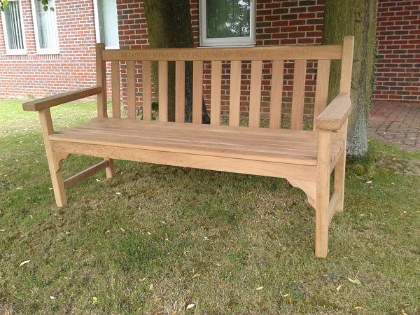 castleham-bench-150cm-front-side-view