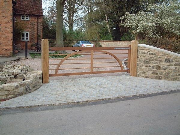 charleston-gate-360cm-front-view