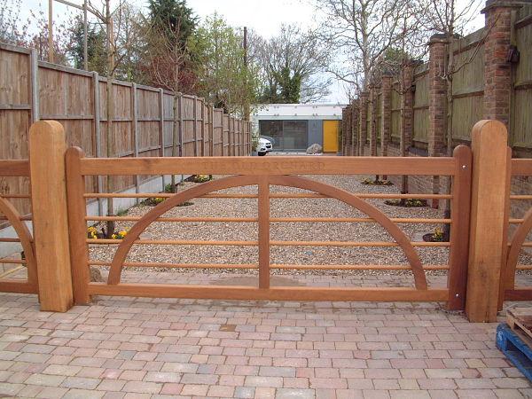charleston-gate-engraved