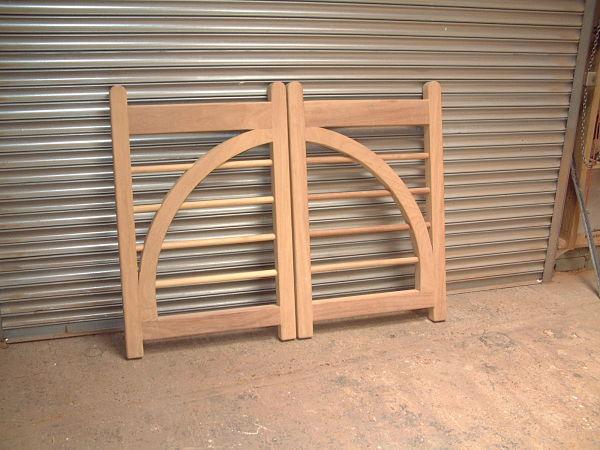 charleston-gate-half-arch-pair