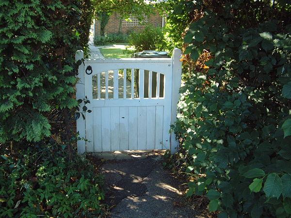 gildredge-gate-white