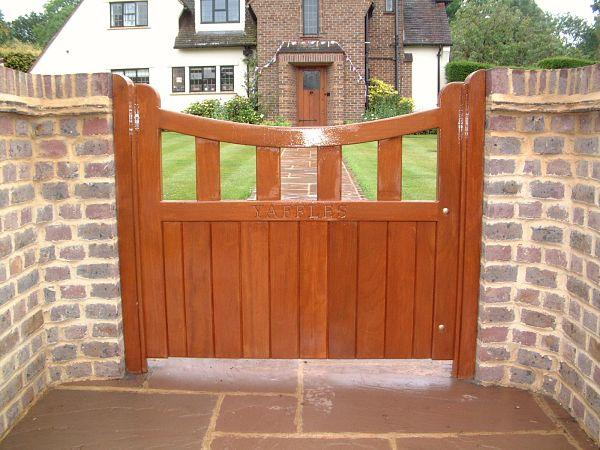 heathfield-gate-curved-top-antique-pine