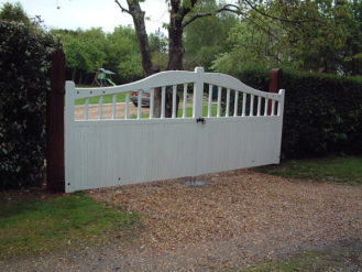 maresfield-gate-curved-top