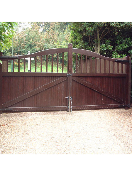 maresfield-gate-curved-top-rear-view