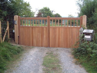 maresfield-gate-straight-top