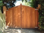 mayfield-gate-curved-top-front-view-alternative