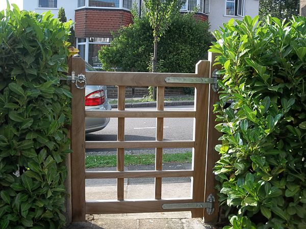 rotherfield-gate-rear-view-alternative