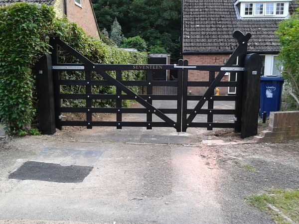 seaford-gate-210cm-front-view