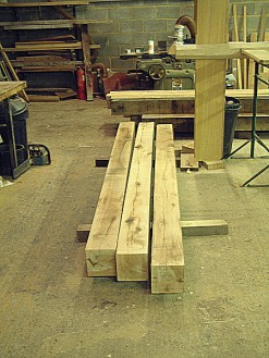 air-dried-oak-post-c6-x-6-150x150mm